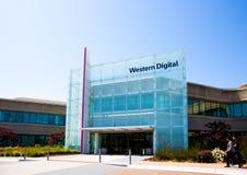 Milpitas CA, USA - Maj 21, 2018: Byggnad av ett Western Digital korporationskontor WDC Arkivfoto