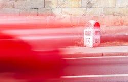 Milstolpe av gamla nationella den korsa Plasencia för väg 630 gamla staden, Fotografering för Bildbyråer