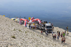 Milstolpe på den Mont Ventoux- Tour de France 2013 Royaltyfri Foto