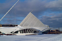 Milwaukee Art Museum im Winter-Schnee Stockbilder