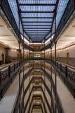 Milwaukee stadshuslobby och takfönster Fotografering för Bildbyråer
