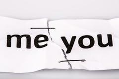 Mim e você no papel velho rasgado e grampeado - ame o conceito imagem de stock royalty free