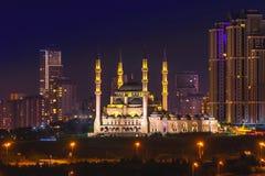 Mimar Sinan Mosque que es Atasehir colocado, Estambul, Turquía imagenes de archivo