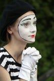 Mimare i vita handskar Fotografering för Bildbyråer