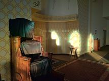 Mimbar - амвон в мечети Стоковое фото RF