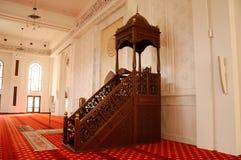 Mimbar av Tengku Ampuan Jemaah Mosque i Selangor, Malaysia Arkivfoto