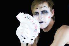 Mime con un ventilatore delle schede di gioco Fotografia Stock