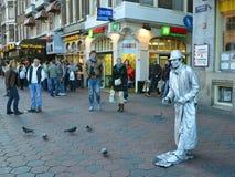 Mime en las calles de Amsterdam Imágenes de archivo libres de regalías