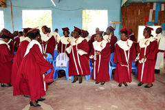 Mime a la celebración del día del ` s con los feligreses de la iglesia Imagenes de archivo