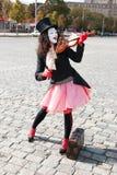 Mime que joga o violino Foto de Stock