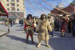 Mimes à la célébration de Maslenitsa à la place de Manege à Moscou image stock