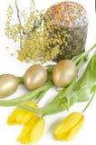 Mimosa del tulipano del dolce dell'uovo di Pasqua Immagine Stock