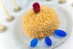 Mimose-Kuchen Lizenzfreies Stockfoto
