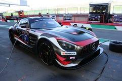 12 minérios Hankook Mugello 18 de março de 2017: ESPORTE que COMPETE, Mercedes AMG GT3 de #17 IDEC Fotografia de Stock