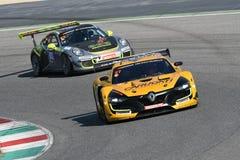 12 minérios Hankook Mugello 18 de março de 2017: Extremo do GP #27, Renault RS01 GT3 Imagens de Stock Royalty Free