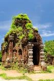 Min son, historiskt komplex av hinduiska tempel på den södra centrala kusten i Vietnam Arkivfoto