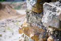 Mina de la pizarra de la pizarra de la explotación minera de la piedra caliza imagen de archivo libre de regalías