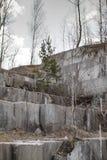 Mina de mármol abandonada en Siberia Extracci?n de minerales fotos de archivo