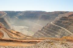 Mina de oro abierta del corte del hoyo estupendo de Kalgoorlie de la visión aérea Imagen de archivo libre de regalías