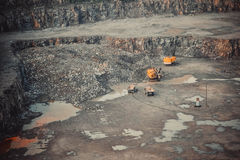 Mina del granito de la explotación minera de la máquina foto de archivo