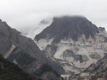 Mina del mármol de Carrara en Carrara Italia Imágenes de archivo libres de regalías