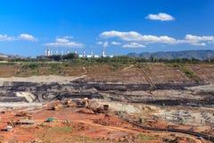 Mina do lignite do poço aberto fotografia de stock