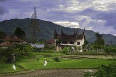 Minangkabau传统房子在晚上 免版税图库摄影