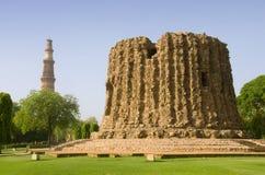 阿来・德里minar的印度 免版税库存图片