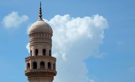 Minar eller pelarkupol av 400 åriga Charminar, Hyderabad, Indien Royaltyfri Bild