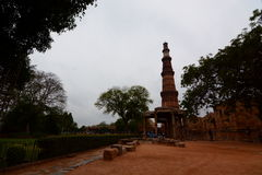 minar qutbtorn delhi india Royaltyfria Bilder