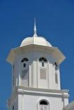 Minaret av Abidin Mosque i Kuala Terengganu, Malaysia Royaltyfria Bilder