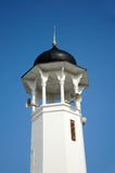 Minaret av den Alwi moskén i Kangar Royaltyfri Foto