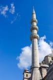 Minaret Nowy meczet, Istanbuł Fotografia Royalty Free