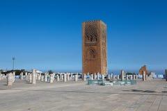 Minaret och det oavslutade tornet av moskén Hassan rabat morocco Royaltyfri Foto