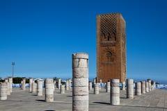 Minaret och det oavslutade tornet av moskén Hassan rabat morocco Royaltyfria Foton