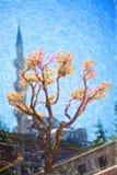 Minaret op blauwe hemelachtergrond royalty-vrije stock afbeeldingen