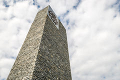 Minaret van Sancaklar-moskee in Istanboel, Turkije Stock Foto
