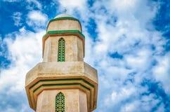 Minarete assimétrico Fotos de Stock