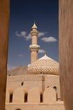 Minarete do forte árabe de Nizwa em Nizwa, Omã imagens de stock