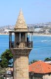 Minarete sobre ele mediterrâneo, Sidon (Líbano) Foto de Stock