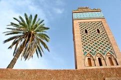 Minarett einer Moschee in Marrakesch Lizenzfreie Stockfotos