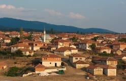 Minarett im landwirtschaftlichen Dorf von Anatolia, die Türkei Stockfoto