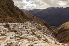 Minas de sal de Maras los Andes peruanos Cuzco Perú Fotografía de archivo