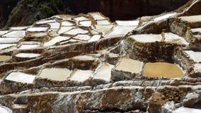 Minas de sal de Maras en Perú almacen de metraje de vídeo
