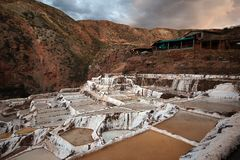 Minas de sal no Peru imagens de stock