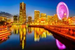 横滨Minato Mirai都市风景在晚上 日本地标和普遍 免版税库存照片