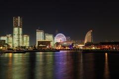 Minatomirai 21 áreas no crepúsculo em Yokohama, Japão Imagens de Stock