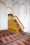 Minbar - η άνοδος στο μουσουλμανικό τέμενος για το κήρυγμα Στοκ Φωτογραφία
