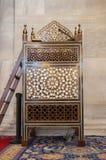 Minbar de madera, púlpito del sermón de los tiempos del otomano Foto de archivo libre de regalías