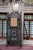 Minbar de madera, púlpito del sermón de los tiempos del otomano Fotos de archivo